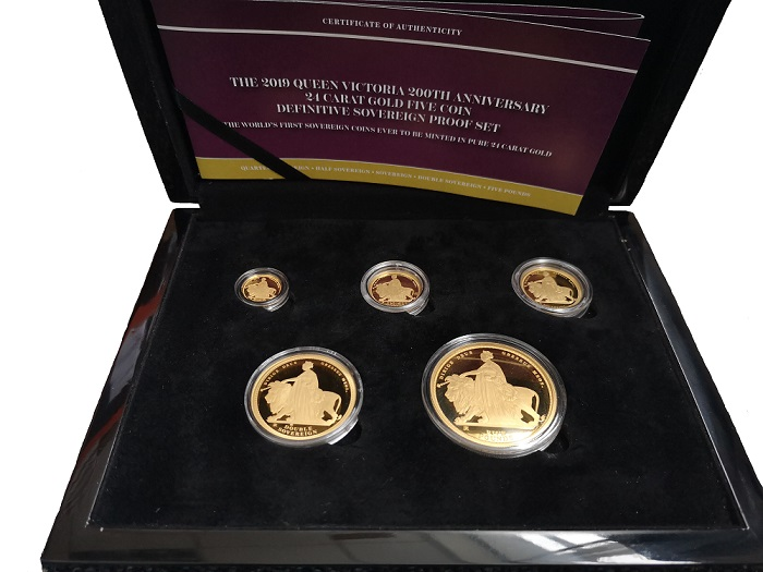 The 2019 Queen Victoria 200th Anniversary Gold Sovereign Definitive Set image